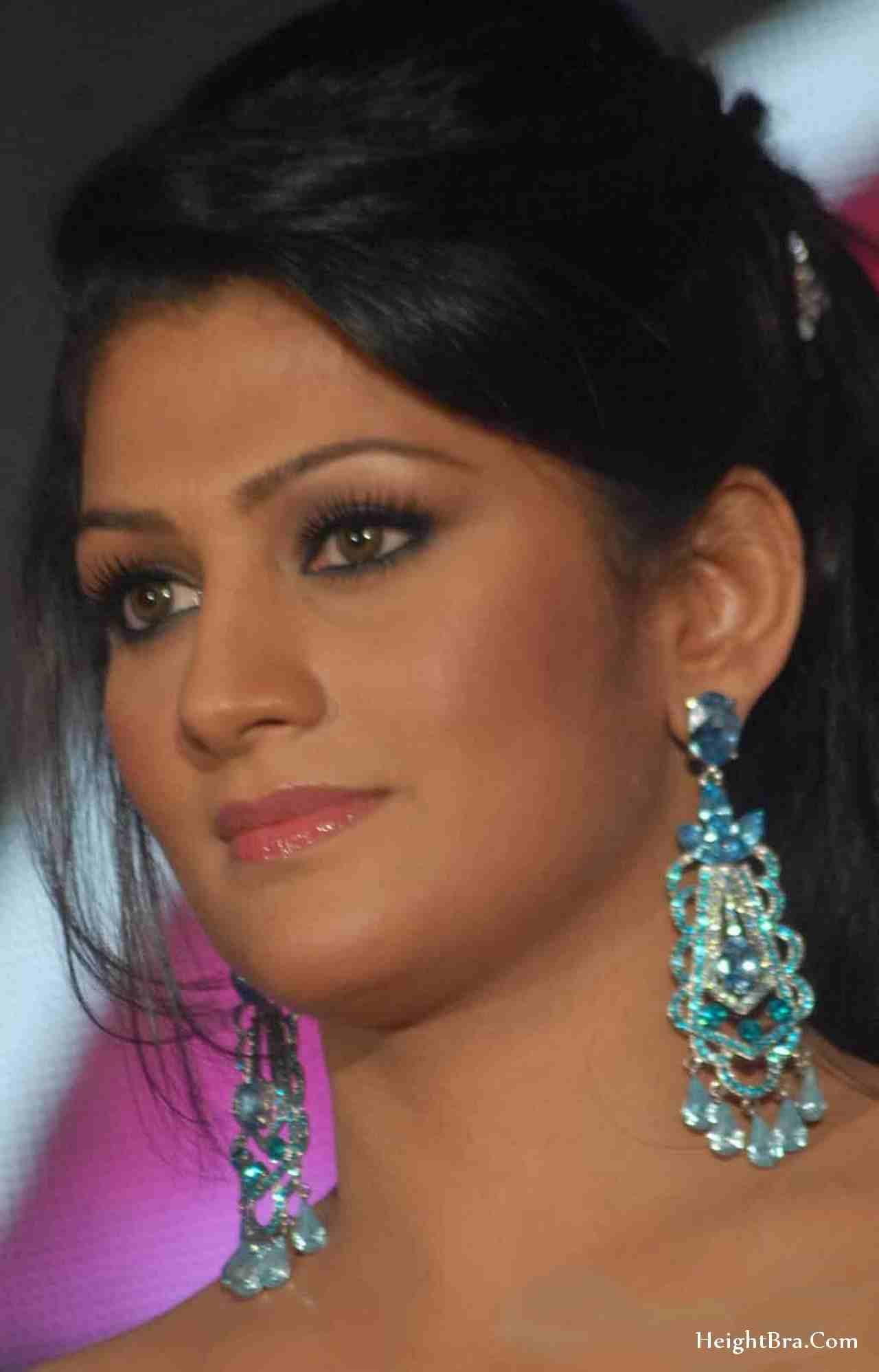 radhika chaudhari facebook