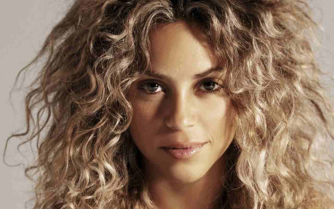 Shakira Height Weight Bra Bio Figure Size Heightbra Com
