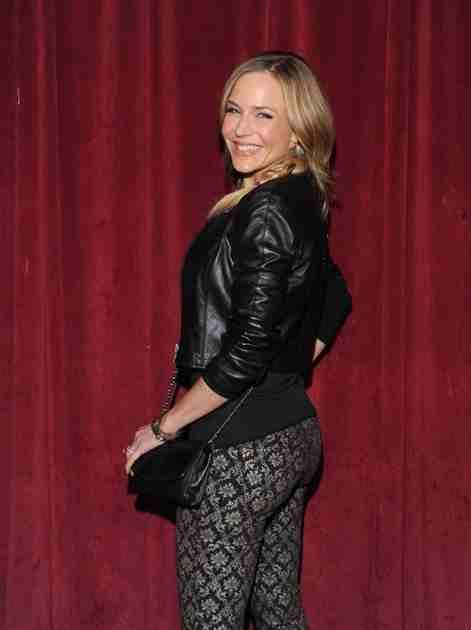 Julie Benz Height Weight Bra Bio Figure Size Heightbracom