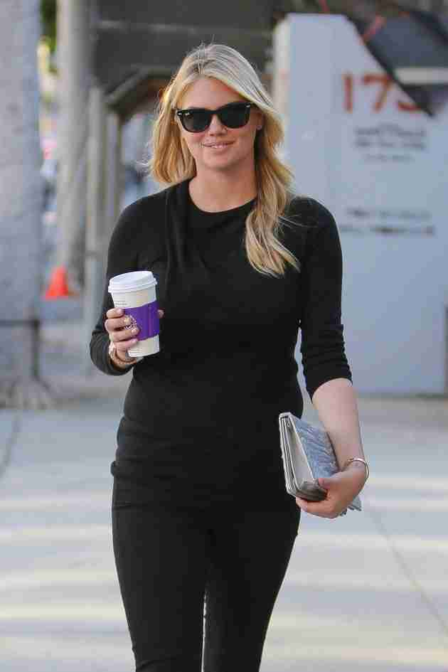 kate-upton-out-for-coffee-in-beverly-hills-february-2015_9
