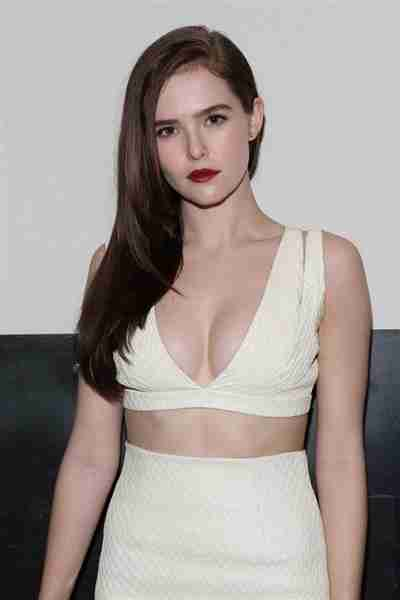 zoey deutch вк