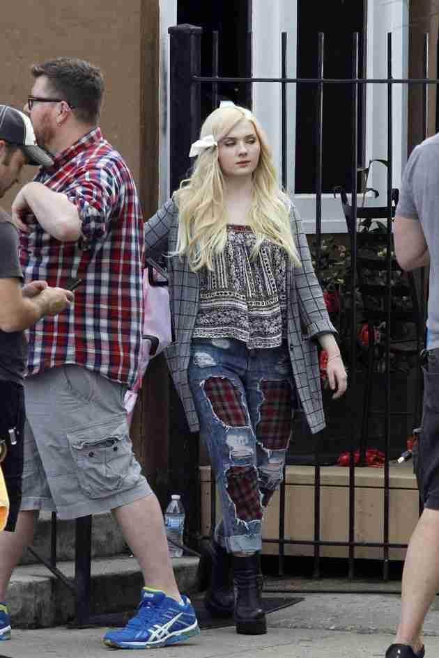 abigail-breslin-pics-at-scream-queens-set-in-new-orleans (8)