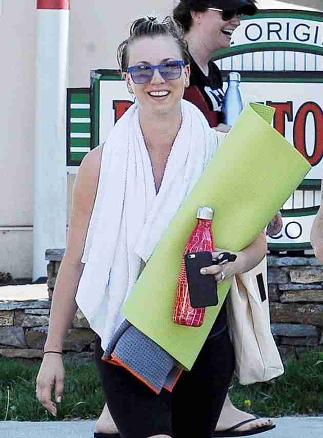 kaley cuoco out from yoga class sherman oaks