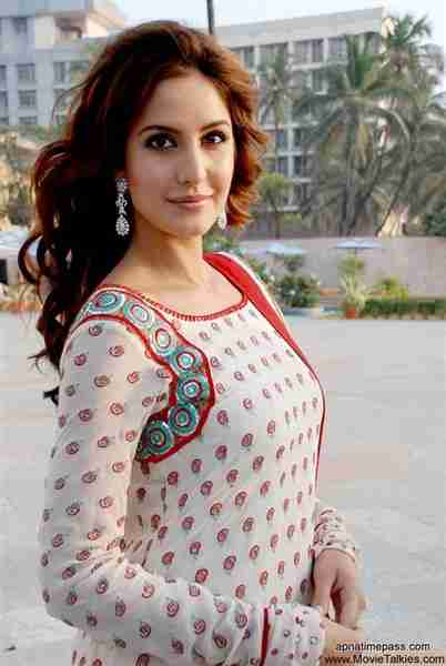 Katrina kaif height weight bra bio figure size heightbra click on pictures to enlarge voltagebd Image collections